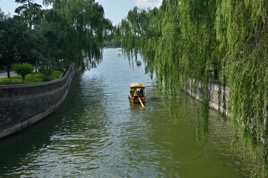 Китай. Пекин. Парк Бэйхай. (llee_wu)