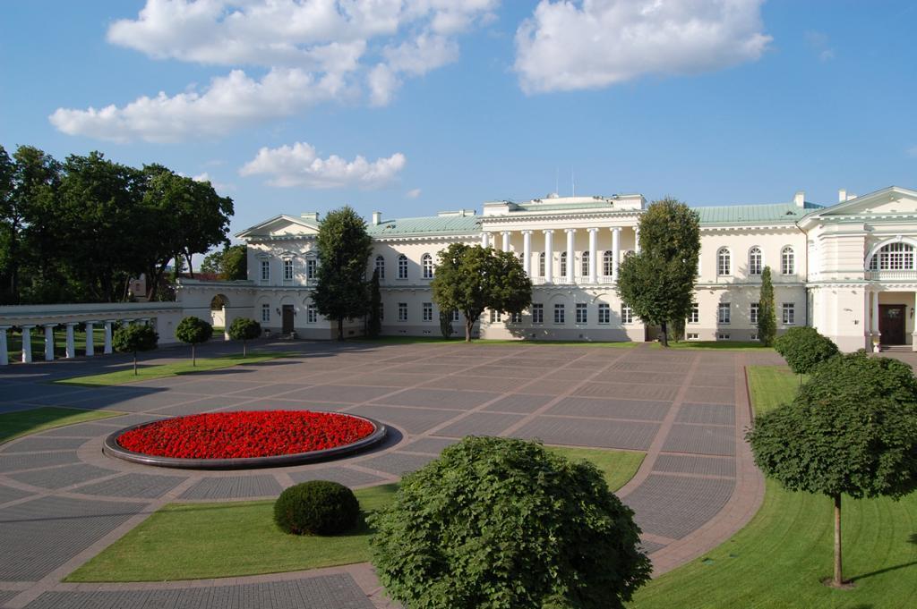 Литва. Вильнюс. Президентский дворец является официальной резиденцией Президента страны. (Gideon)