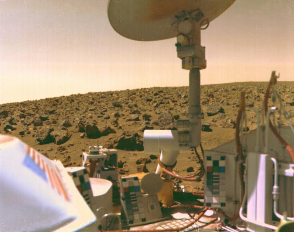 Снимок поверхности Марса, сделанный «Викингом-2». (NASA on The Commons)
