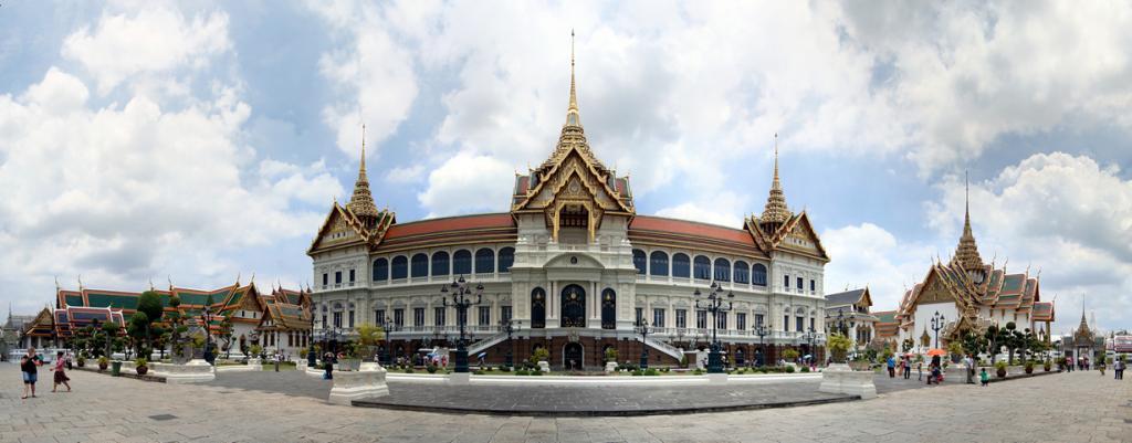 Таиланд. Бангкок. Большой дворец является резиденцией Пхумипона Адульядета. (Efendi Kwok)