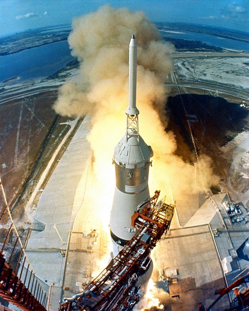Исторический запуск миссии «Аполлон-11». (NASA on The Commons)