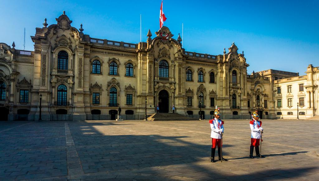 Перу. Лима. Каса-де-Писарро является резиденцией Президента страны. (BORIS G)