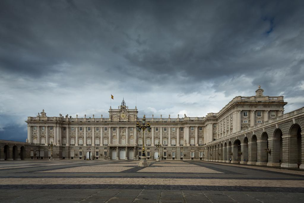 Испания. Мадрид. Королевский дворец является официальной резиденцией короля Филиппа VI. (Paulo Valdivieso)