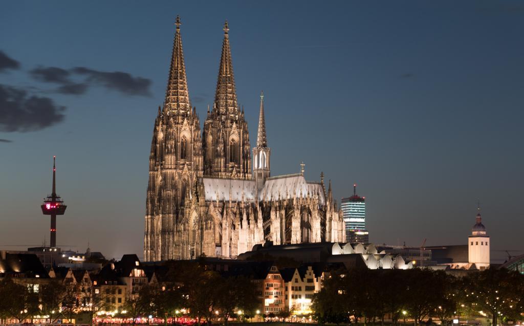 Кёльнский собор. Архитектурный стиль — готика. (Felix Winkelnkemper)
