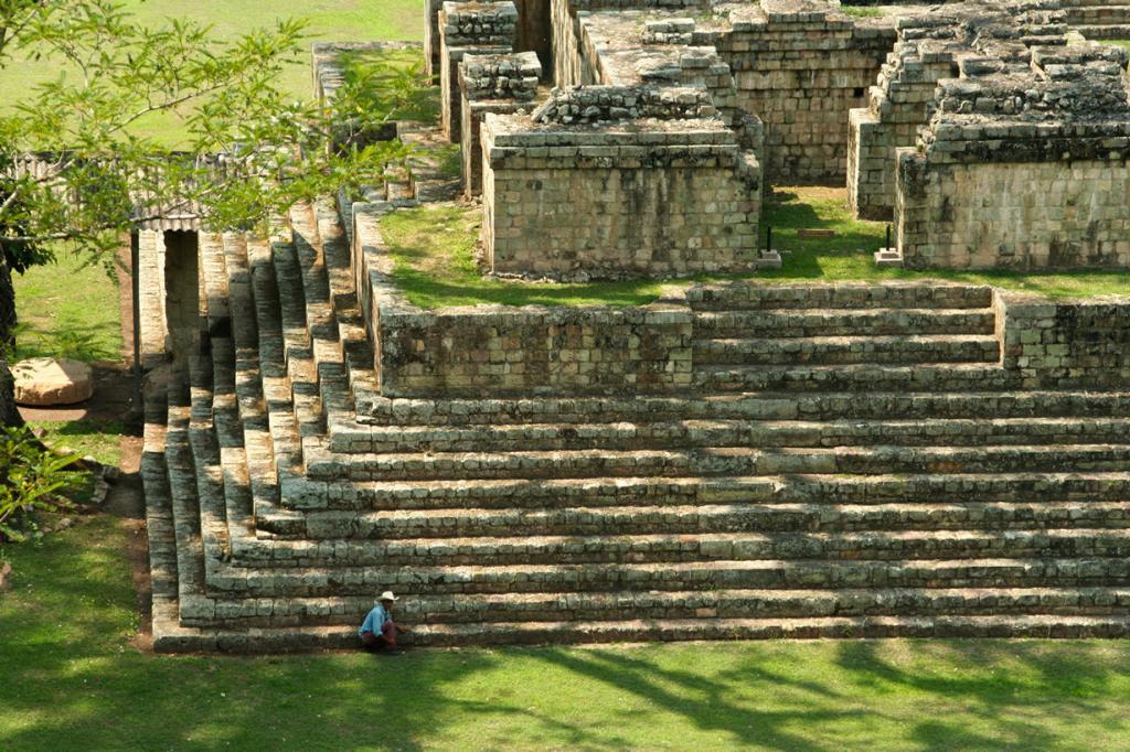Гондурас — не самое популярное туристическое направление. Однако не стоит недооценивать эту страну. Всего за $30 на день можно достойно отдохнуть, включая экскурсии и достойное питание. На фото: Копан. (Alex Schwab)