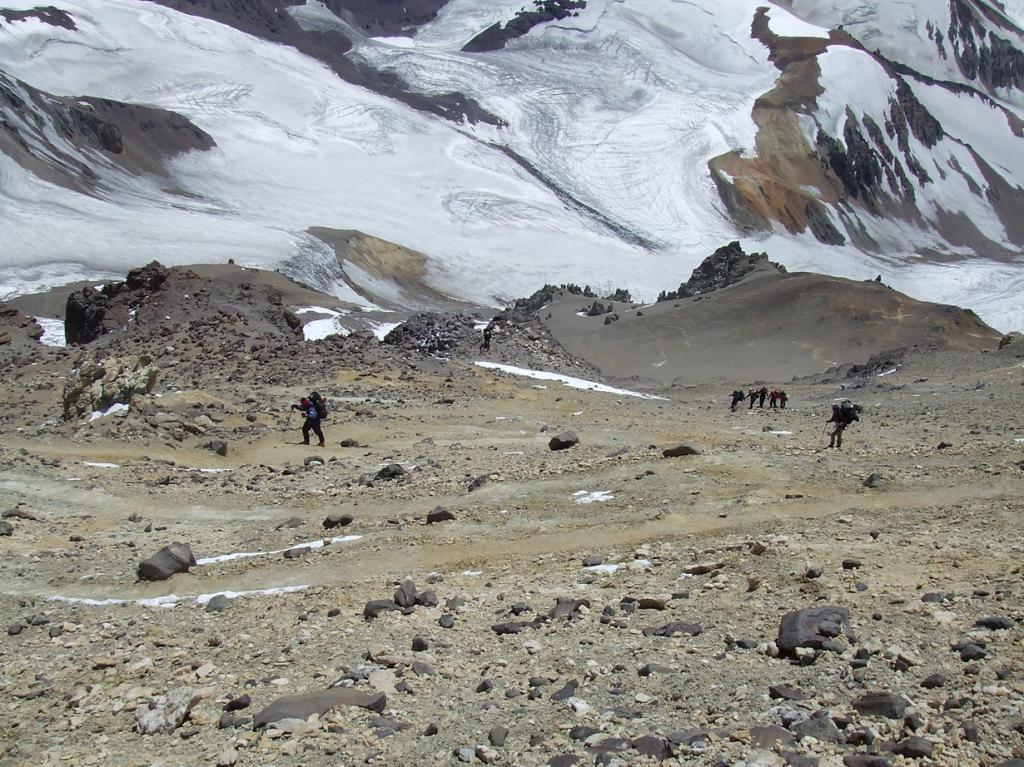 Аргентина. Гора Аконкагуа (6962 м над уровнем моря). Объект считается самым высоким батолитом в мире. Однако, восхождение на вершину считается довольно лёгким, как технически, так и физически. (twiga269 ॐ FEMEN #JeSuisCharlie)