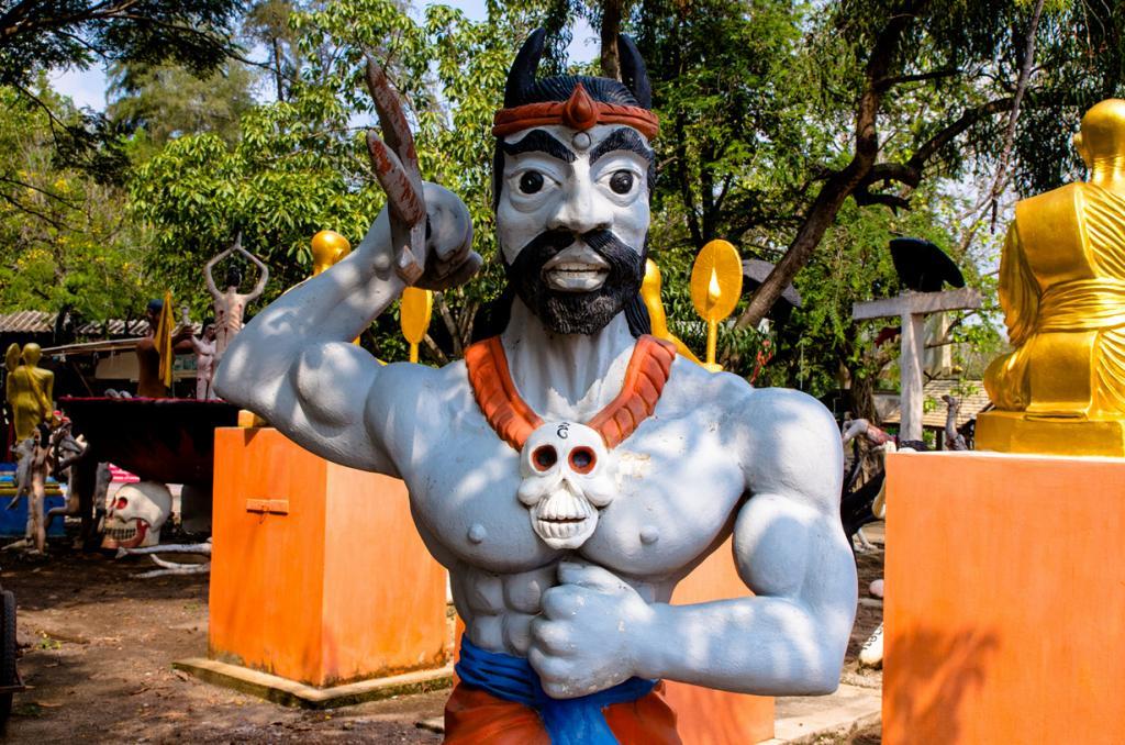 Таиланд. Супханбури. Тематический парк Wat Phai Rong Wua. (shin--k)