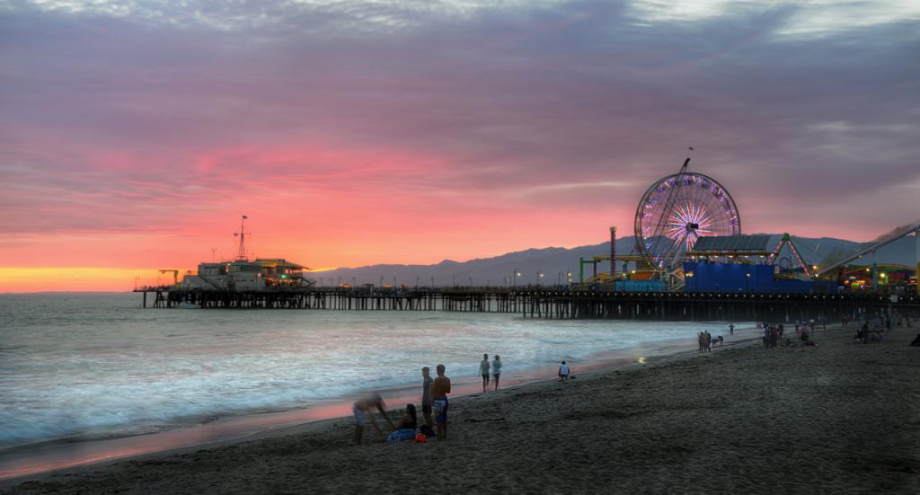Вид с пляжа.  (Suzanne - neusuz5)