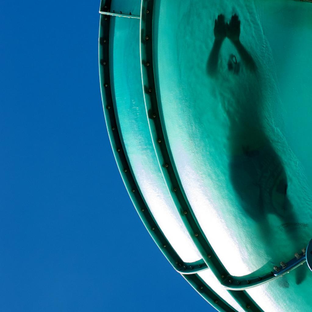 Испытатель водных горок — весьма увлекательная профессия. Наверное, каждый ребёнок, да и взрослый, хотел бы стать специалистом такого рода. Если же Вам «посчастливилось», то перечень обязанностей будет состоять из посещения различных водных парков и катания на водных аттракционах. Основная задача состоит в том, чтобы профессионально оценить каждую горку по рейтингу, к примеру, «на количество адреналина, полученного после спуска». Вас также могут попросить поделиться своими положительными впечатлениями через социальные сети в рекламных целях. (badjonni)