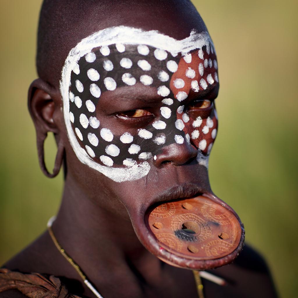 Народ мурси. Проживают на юго-западе Эфиопии. Численность не превышает 7,5 тыс. человек. (Dietmar Temps)