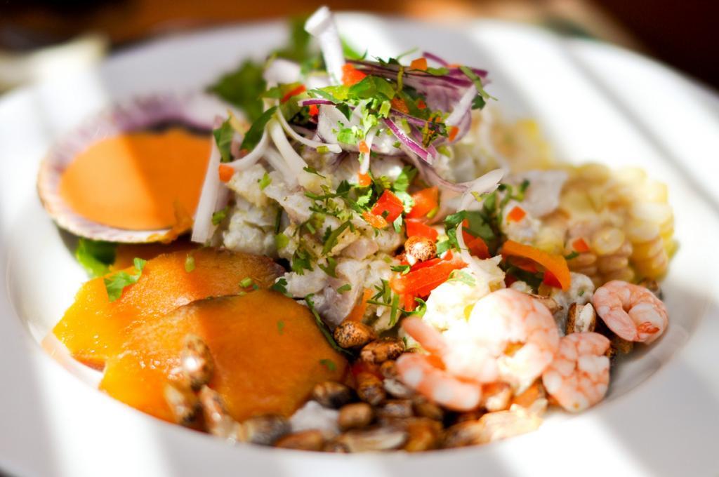 В Мексике «вернуться к жизни» после пьянки помогает блюдо севиче. (James)