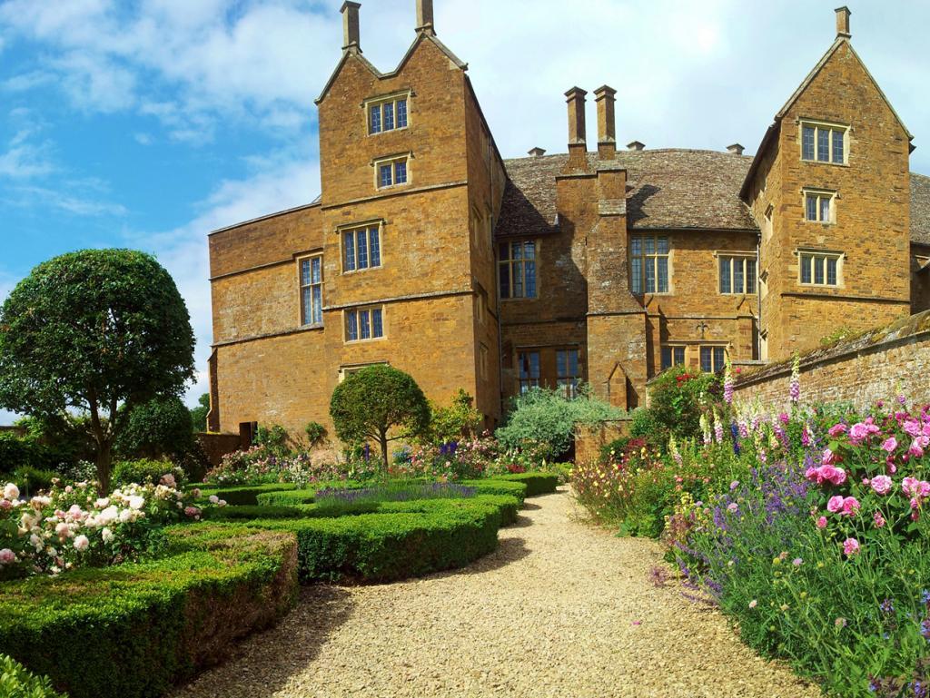 Замок Броутон. Здание было задействовано в съёмках кинофильма «Влюблённый Шекспир» режиссёра Джона Мэддена. (deadmanjones)