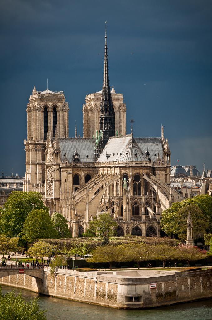 Франция. Париж. Собор Парижской Богоматери. (Adam Gimpert)