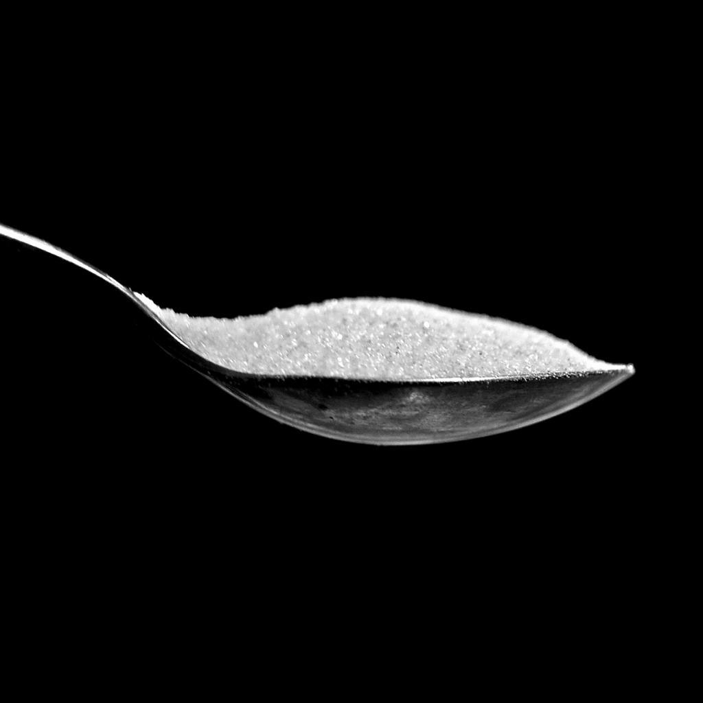 Подсластители. Употребление сахара лучше избегать, однако заменять его синтетическими или натуральными подсластителями — не решение проблемы, а её усугубление. (Caro Wallis)