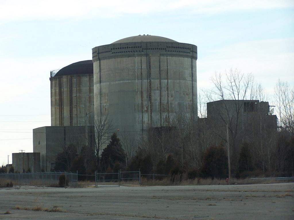США. Индиана. Атомная электростанция Марбл Хилл. Строительство здания началось в 1977 году и приостановилось в 1984 году. Всего на работы было затрачено $ 2,5 миллиардов. В будущем планируется совершить демонтаж конструкций. (Bryan Napier)