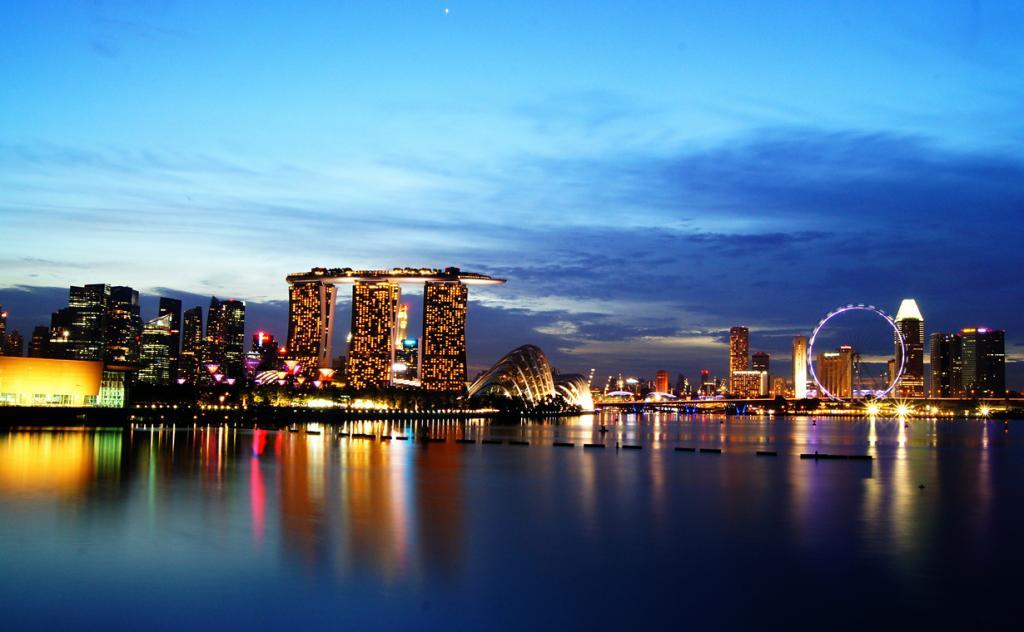 Сингапурское колесо обозрения Flyer. Аттракцион был открыт для посетителей 1 марта 2008 года. До 2014 года считалось самым высоким в мире. (Raktim Hazarika)