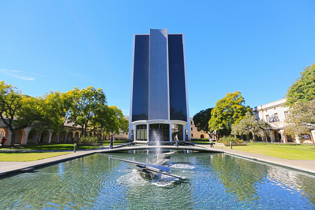 США. Калифорния. Калифорнийский технологический институт. (Canon.vs.nikon)