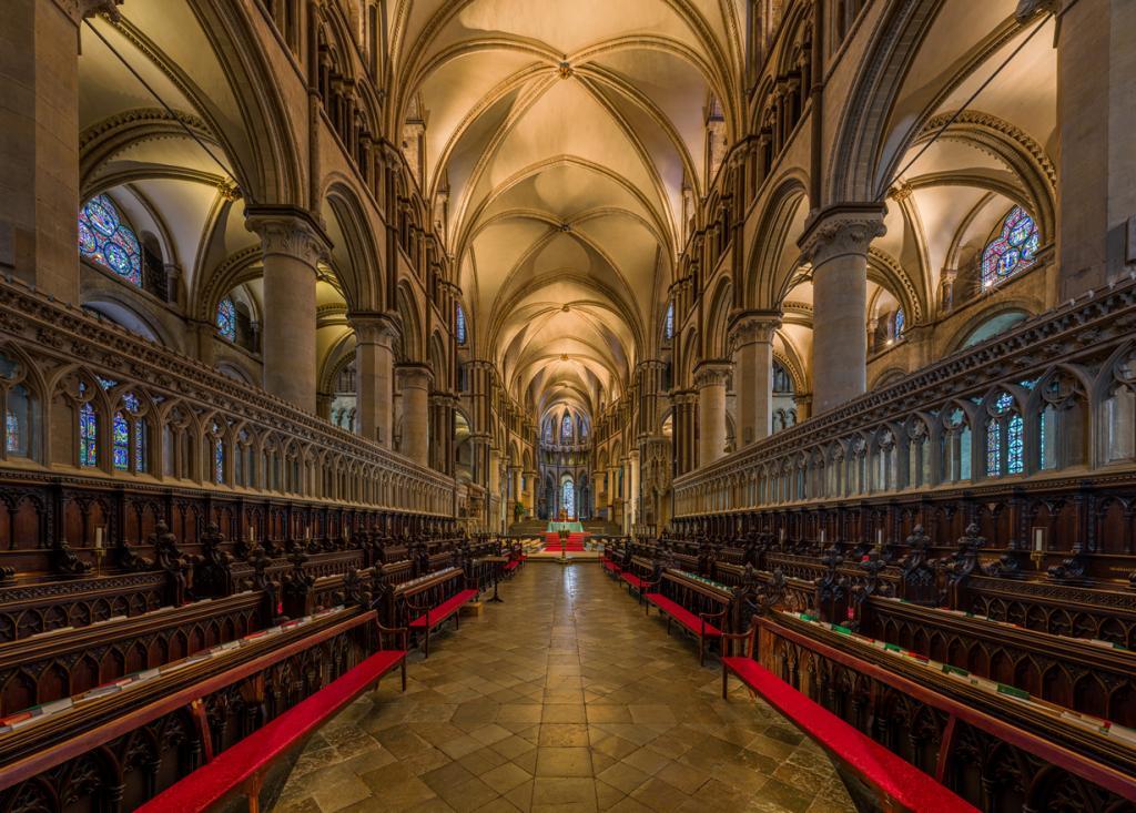 Кентерберийский собор. Архитектурный стиль — романская архитектура/английская готика. (David Iliff)