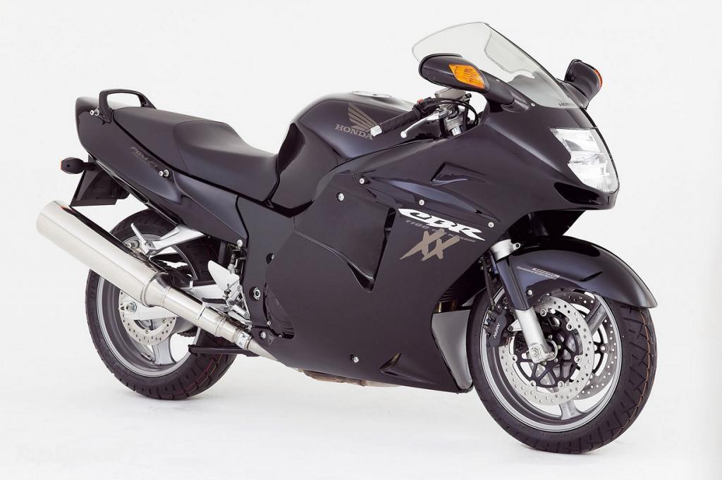 Honda CBR1100XX. Максимальная скорость мотоцикла — 287,3 км/час. (Honda)