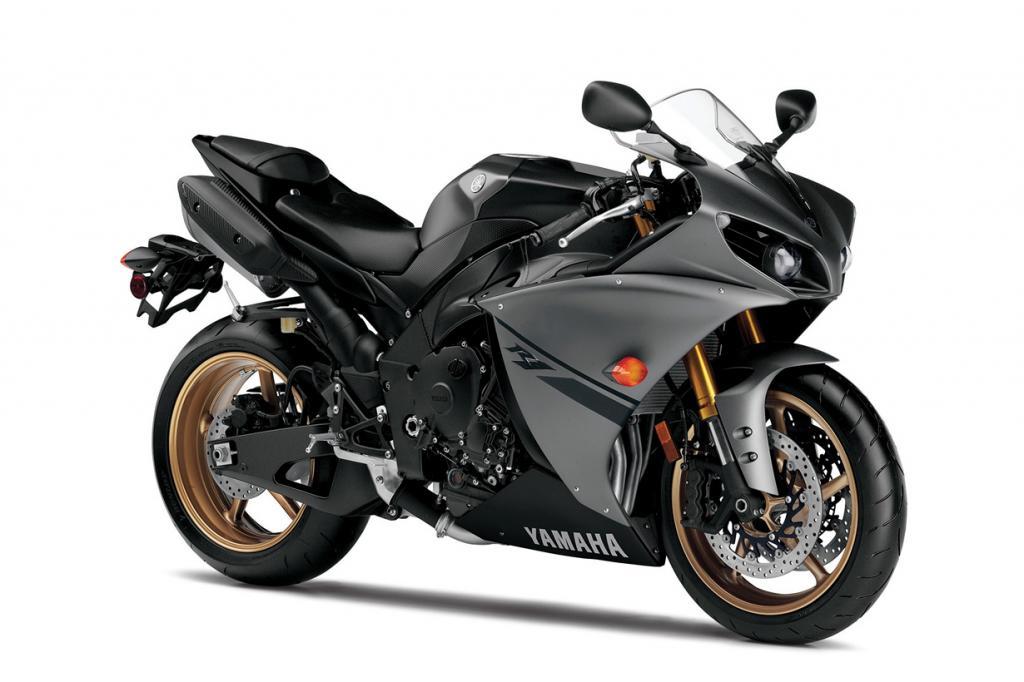Yamaha YZF R1. Максимальная скорость мотоцикла — 297 км/час. (Yamaha)