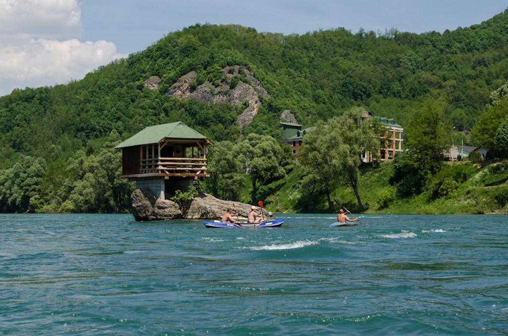 Дом на реке Дрина. (Petar Vasić)