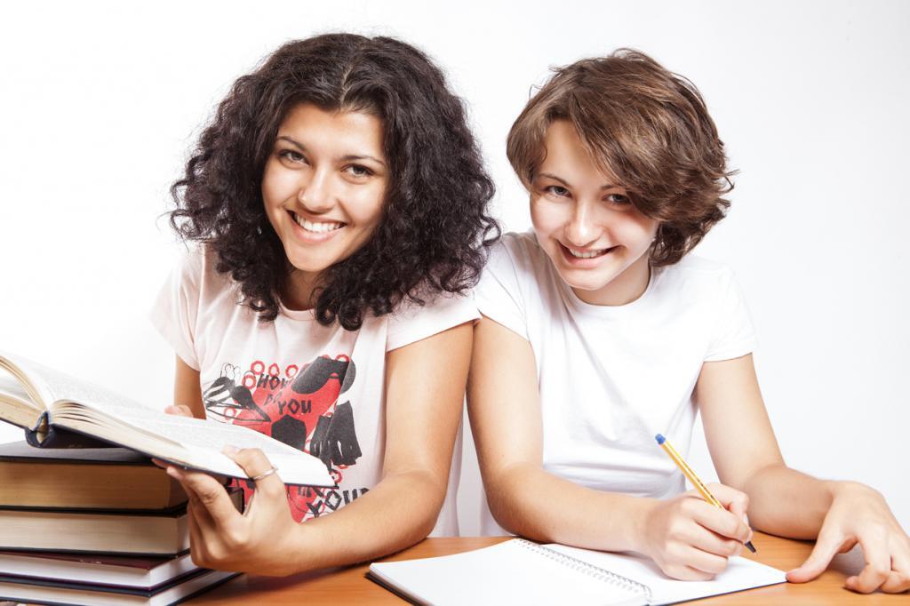 В 2014 году в Германии официально отменена оплата за обучение в колледжах, даже для иностранных студентов. (CollegeDegrees360)