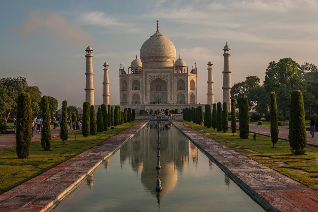 Индия считается одним из самых дешёвых в мире мест для отдыха. С бюджетом в $50 на день можно отдохнуть по-королевски. Но даже со скромными $15 можно неплохо провести время. На фото: Тадж-Махал. (Chetan Karkhanis)