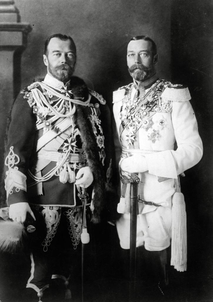 Российский император Николай II, британский король Георг V и немецкий кайзер Вильгельм II, правившие во время Первой мировой войны, являлись двоюродными братьями.