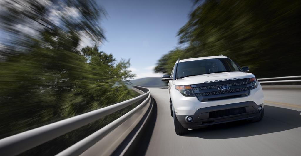 Ford Explorer Sport. Мощность мотора: 365 л./c.; максимальная скорость: 196 км/ч. (Ford)