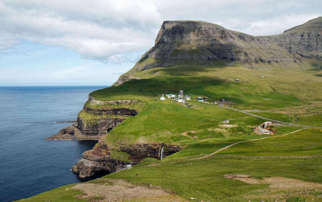 Состоянием на 2012 год в деревне проживало 18 человек. (Stig Nygaard)