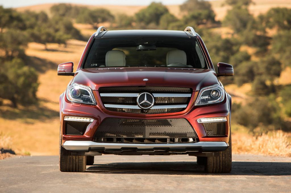 Mercedes-Benz GL 63 AMG. Мощность мотора: 550 л./c.; максимальная скорость: 249 км/ч. (Mercedes-Benz)