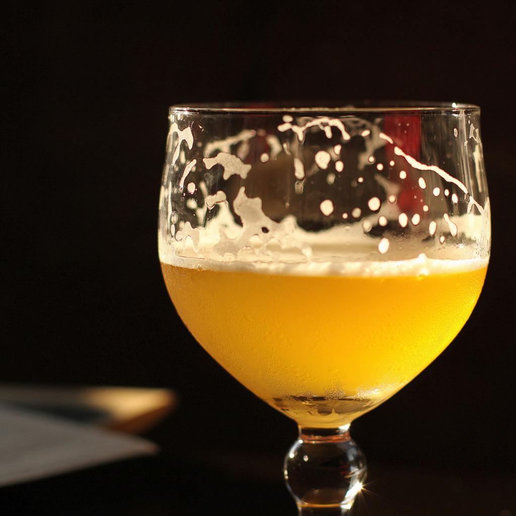 Солнечный свет дурно влияет на пиво. (jenny downing)