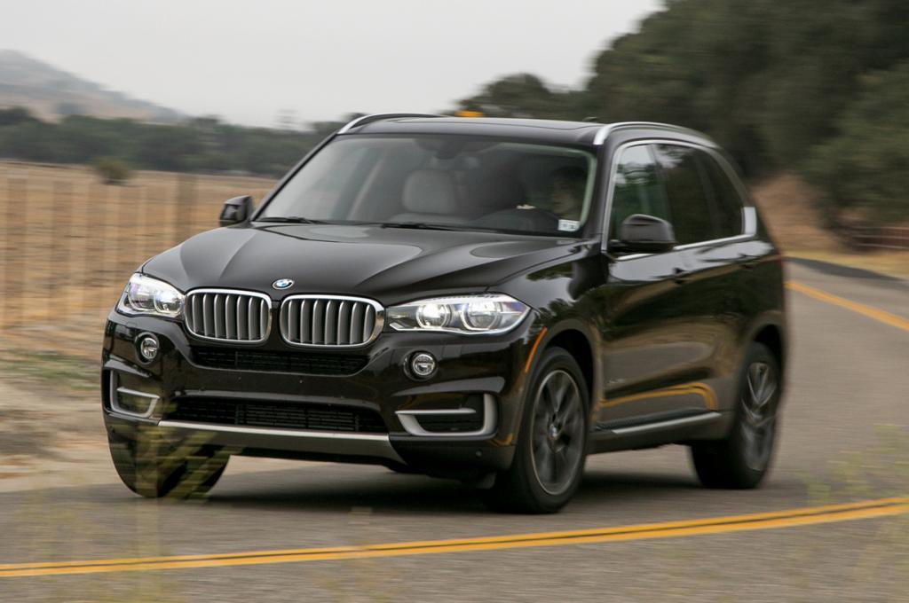 BMW X5 xDrive50i. Мощность мотора: 445 л./c.; максимальная скорость: 249 км/ч. (BMW)