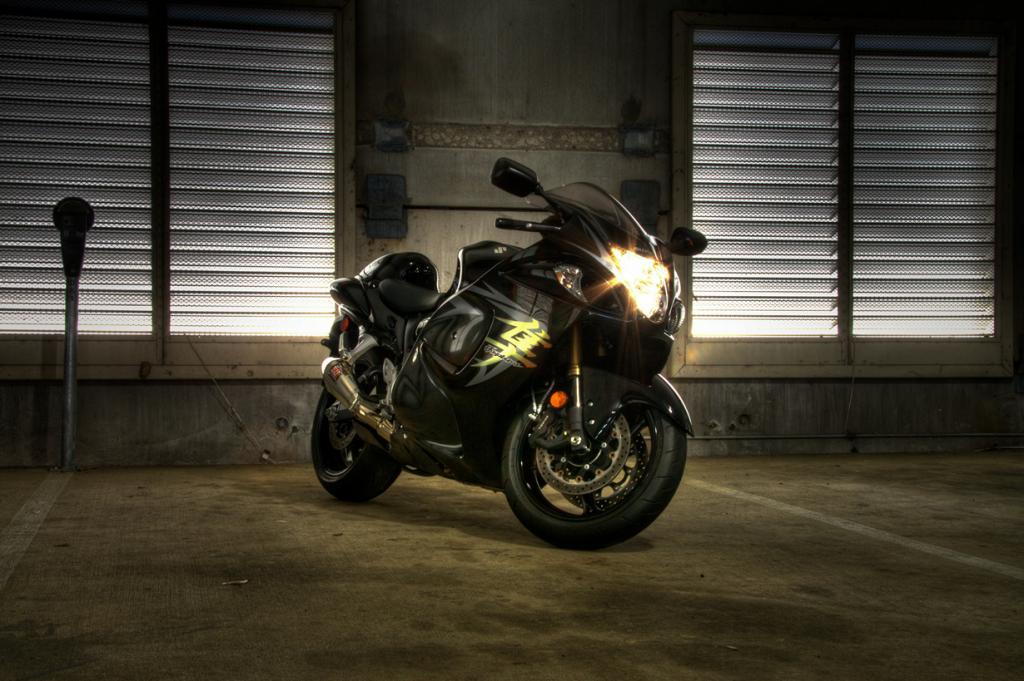 Suzuki Hayabusa. Максимальная скорость мотоцикла — 312 км/час. (Kyle N.)