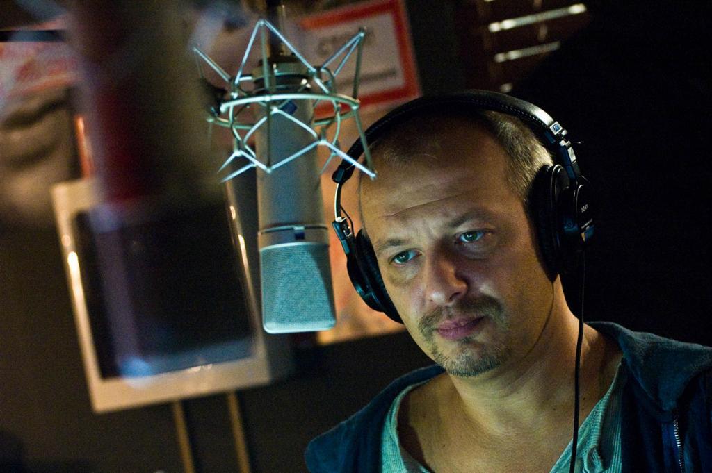 Комедия «День радио», 2008 год. Режиссёр: Дмитрий Дьяченко. (Кадр из фильма)