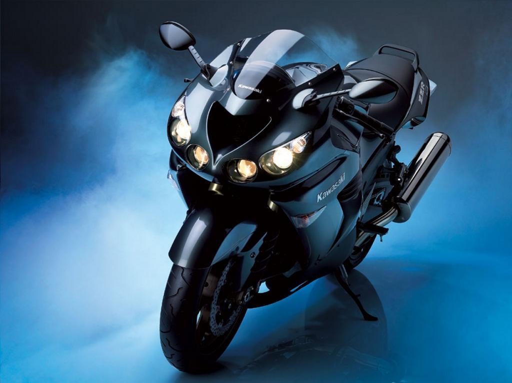 Kawasaki Ninja ZZR 1400. Максимальная скорость мотоцикла — 299 км/час. (Guima Filho)