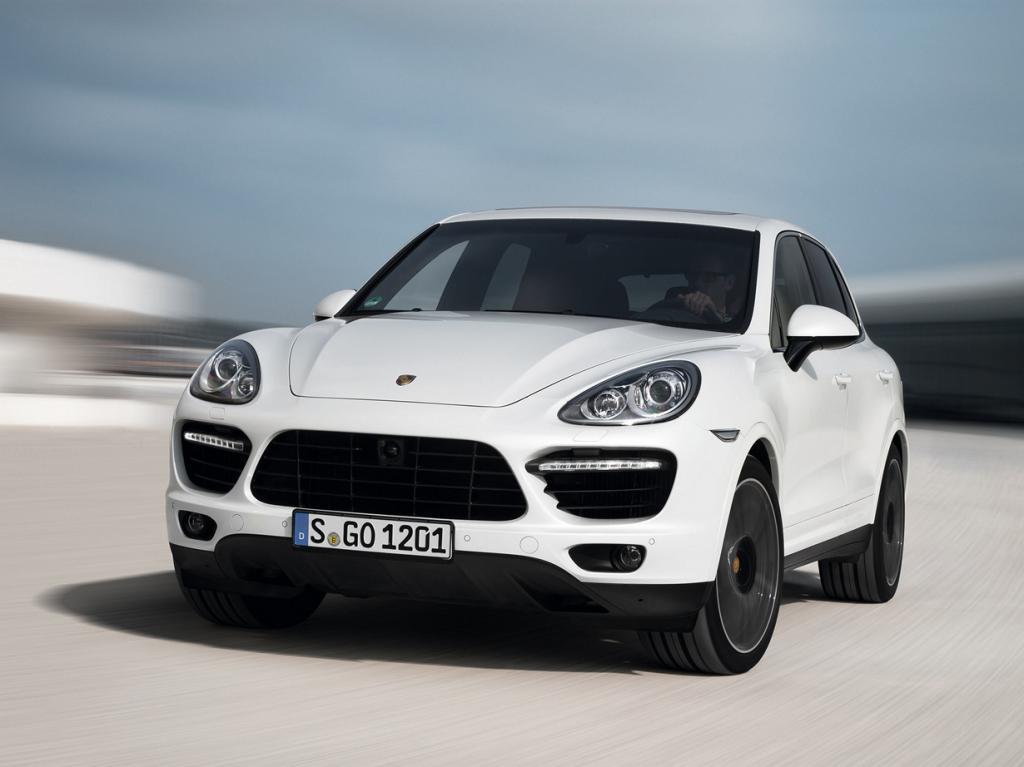 Porsche Cayenne Turbo S. Мощность мотора: 550 л./c.; максимальная скорость: 281 км/ч. (Porsche)