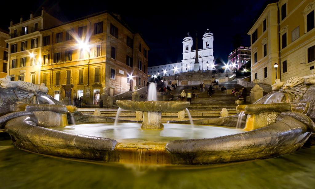 Второе место занял Рим. Самыми популярным объектом города стала знаменитая Испанская лестница. (Matthew Kenwrick)