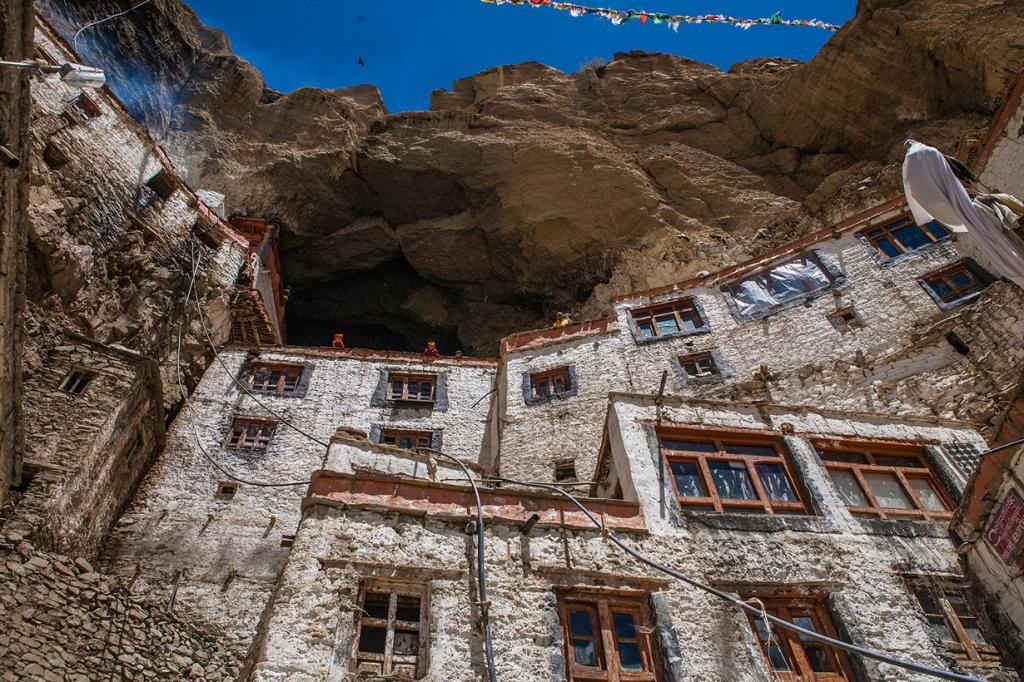 В Фуктале проживают около ста монахов. (sandeepachetan.com travel photography)