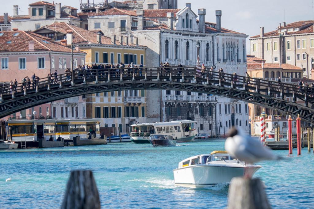 На шестом месте оказалась Венеция. Эпицентром снимков стал Мост Академии— оттуда открывается великолепный вид на постройки Венеции. (Darren and Brad)
