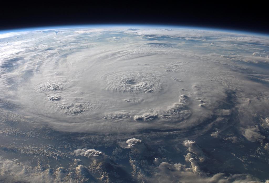 Вид из космоса. Самые разрушительные ураганы за последние 20 лет