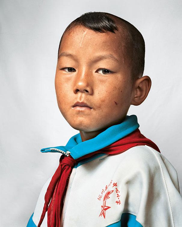 9-летний Дун, Юньнань, Китай.