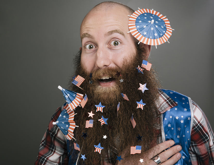 Июль. Борода Дня независимости США.