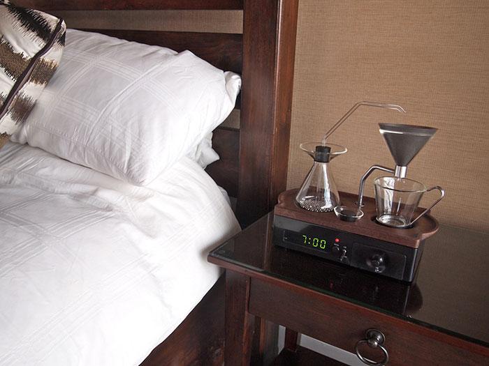 barisieur-coffee-maker-alarm-clock-joshua-renouf-11