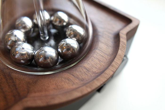 barisieur-coffee-maker-alarm-clock-joshua-renouf-7