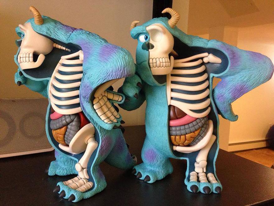 children-toy-cartoon-anatomy-bones-insides-jason-freeny-22
