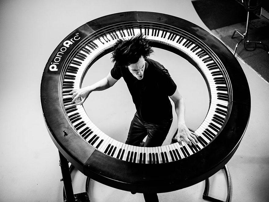 piano-arc-circular-keyboard-brockett-parsons-1