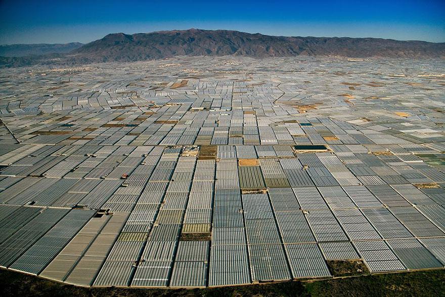 Вид на огромное количество теплиц, Альмерия, Испания.