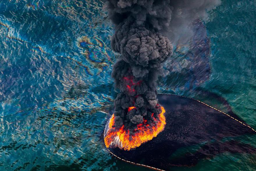 Пожар на нефтяной платформе в Мексиканском заливе, 2010 год.