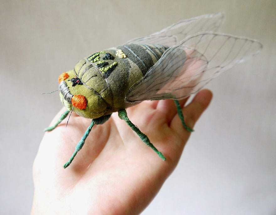 textile-sculptures-insects-moths-butterflies-yumi-okita-16